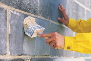 Технические харайтеристики Церезит СТ 17 позволяют использовать её для грунтования любых поверхностей.