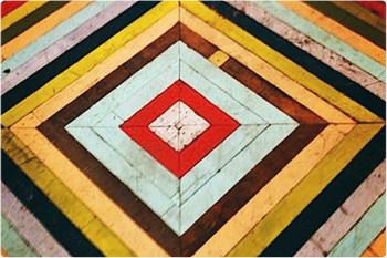 Выбираем быстросохнущую краску для деревянного пола.