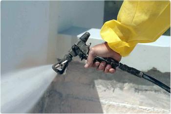 Нанесение грунта ХС-068 серого цвета распылением с помощью краскопульта.